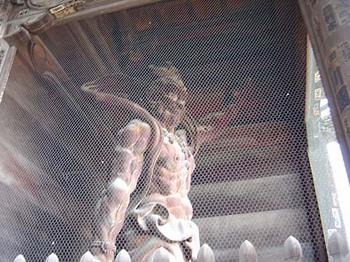 2009年4月5日善光寺仁王門・吽形像2.jpg
